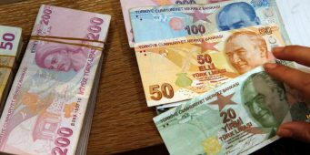 Опрос: 65% граждан Турции считают экономику проблемой номер один