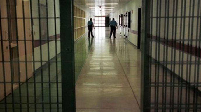 Смерть в тюрьме: Заключённого нашли мертвым на койке в камере