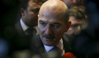Перед заявлением об отставке Сойлу беседовал с Эрдоганом