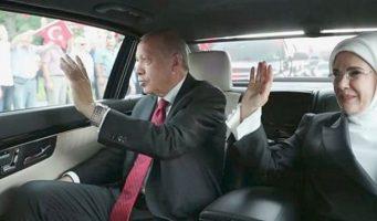 Президентский дворец арендует еще 14 представительских автомобилей