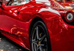 Владелец автомобиля Ferrari попросил 1000 лир помощи