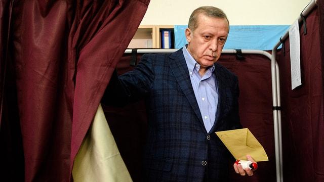 Эрдоган меняет риторику, опираясь на опросы