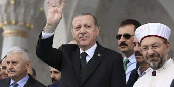 The Economist: Молодые турки отворачиваются от религии