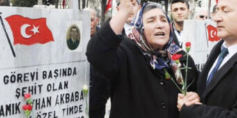 Мать мученика главе МВД: Вы используете 15 июля, чтобы позариться на имущество народа и целомудрие?