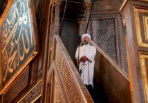 Муфтий поздравил мусульман с Курбан-байрамом с саблей в руках