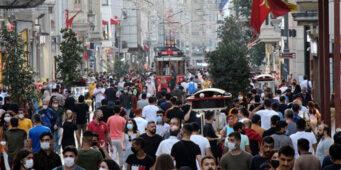 Число случаев COVID-19 в Турции в 20 раз превышает официальные показатели