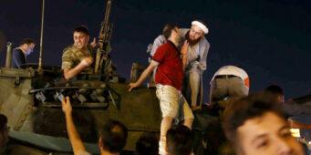 Сотни человек получили фиктивный статус ветеранов попытки переворота 15 июля
