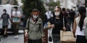 Количество случаев заражения коронавирусом в Анкаре достигло 2 тысяч в день. Минздрав перестал отчитываться