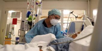 Сперва VIP-пациенты: Медики рассказали о звонках сверху