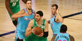 Турецкие комментаторы зацензурили звезду НБА Энеса Кантера