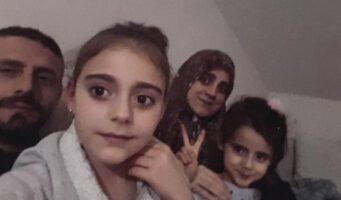 Двое детей остались одни после ареста родителей