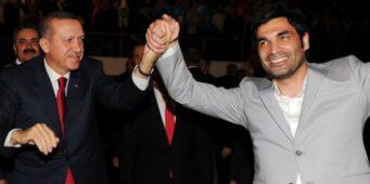 Турецкий исполнитель, написавший хвалебную песню об Эрдогане, раскритиковал правительство ПСР