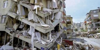 На «налог на землетрясения» можно было бы заново отстроить половину Стамбула