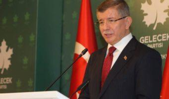 Реформы и мафия: Давутоглу обвинил Эрдогана в неискренности