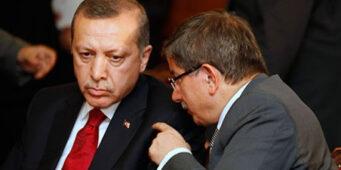 Давутоглу обвинил Эрдогана в кризисе