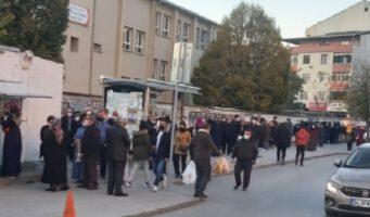 Жители Стамбула выстаивали многочасовые очереди за хлебом в 1 лиру