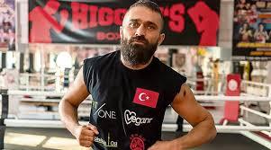 Оппозиционный боксер продолжает получать угрозы