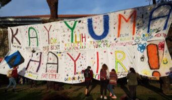 Протестующие студенты ответили Эрдогану на обвинения в терроризме: Мы студенты