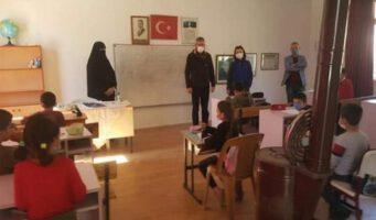 Управление образования начало расследование по факту преподавания женщины в парандже в общеобразовательной школе
