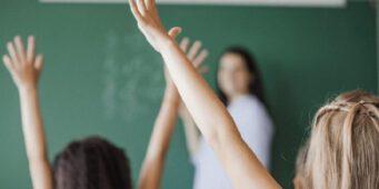 Учителями стали 8 тысяч человек, не окончивших вузы