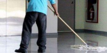 Хочу работать уборщиком: Десять тысяч претендентов на шесть мест