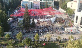 Митинг с участием Эрдогана оказался не таким масштабным, как его показали по телевизору